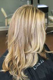 bolnde highlights and lowlights on bob haircut blonde hair with highlights caramel highlights layered bob
