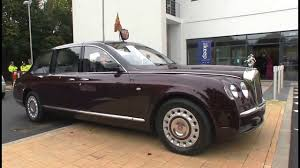 limousine bentley bentley state limousine the queen u0027s official car youtube