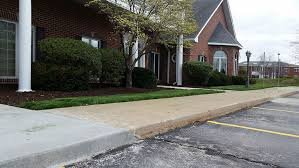 Landscaping Columbia Mo by Jolly Lawncare Columbia Missouri Premier Lawncare And Landscaping