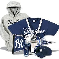 New York Gift Baskets Gifts For Yankee Fans New York Yankees Gift Basket Deluxe Gift