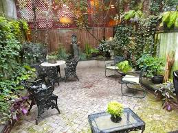 Townhouse Backyard Design Ideas Triyae Com U003d Urban Backyard Landscaping Ideas Various Design