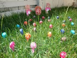 Cheap Easter Yard Decorations by 16 Easy And Fun Easter Decorations You Can Make Last Minute