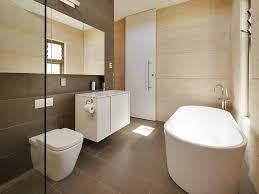 bathroom 30 choosing the right bathtub for a small bathroom 4