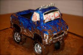 mudding truck breezie u0027s cakes mudding truck cake