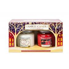 gift sets for christmas yankee candle christmas 2 medium jar gift set from aroma