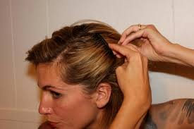 pictures of women over comb hairstyle 3 slightly retro and easy hairstyles using side combs