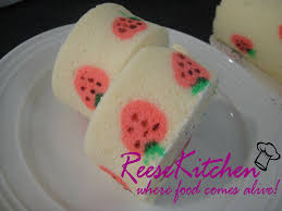reesekitchen cutie strawberry rolls