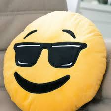 12 best toutou et coussin emoji images on pinterest cushions