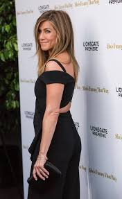Jennifer Aniston Wedding Ring by Jennifer Aniston Looks Happier Than Ever As She Shows Off Stunning
