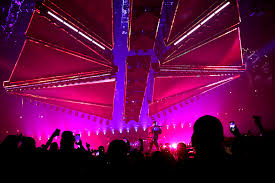 Rosemont Christmas Lights The Weeknd U201cstarboy Legend Of The Fall U201d World Tour At Allstate