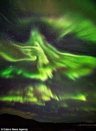 Northern Lights Massachusetts The Northern Lights Take On The Form Of A Phoenix Over Iceland