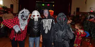 halloween fails rainy weather fails to squelch halloween festivities in greenpoint