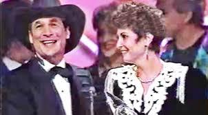 Rocking Chair George Jones George Jones U0027 Wife Hysterically Accepts His U002793 Cma Award While