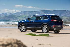 cool jeep cherokee 2017 jeep cherokee review best and worst things to know