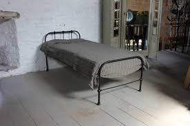 simple all iron dormitory style single antique bed