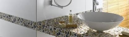 kieselsteine im bad kieselmosaik aus naturstein natursteinfliesen bad