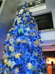 Decorated Christmas Tree Blue by Awe Inspiring Blue And Silver Christmas Decorating Ideas