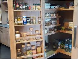 cellier cuisine rangement cellier cuisine charmant atelier culinaire cuisine chªne