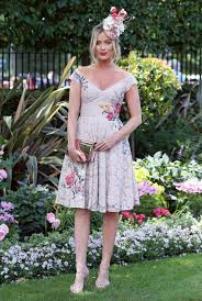 royal ascot ladies u0027 day sees racegoers glam up in bold summer