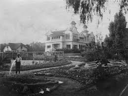 mapping the most incredible lost mansions of los angeles the house was torn down in 1927 to make way for a new kind of hollywood image via los angeles public library photo collection