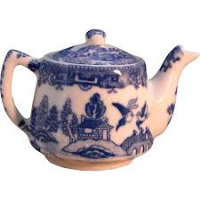 willow pattern jam pot 371 best blue willow images on pinterest blue and white white
