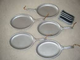 sizzle platters wilton armetale patio rope sizzle platters for fajitas and