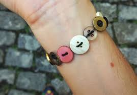 how to make jewelry crafts using buttons