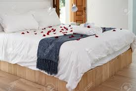 Rose Petals Room Decoration Decorated Romantic Hotel Honeymoon Bed With Red Rose Petals And