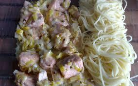 comment cuisiner du saumon surgelé recette pavés de saumon à la crème poireaux 750g
