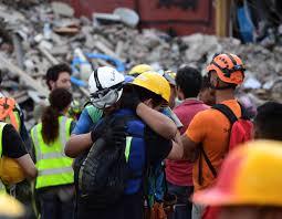 halloween in mexico city photos of 7 1 magnitude earthquake in mexico