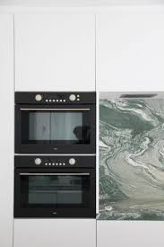 cuisine ang駘ique ar creaties apartment dpl i kitchen details i green marble ar