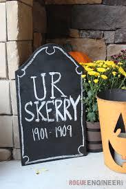 40 easy diy halloween decorations homemade do it yourself