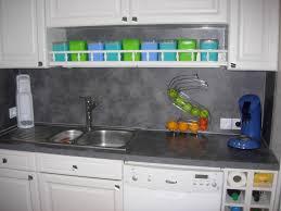 peindre un carrelage de cuisine ides de peindre carrelage cuisine plan de travail galerie dimages