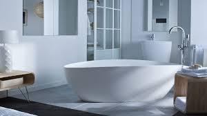 Et Si On Créait Une Salle De Baignoires La Baignoire Ilot Fait Le Design De La Salle De Bain Déco Cool
