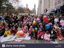 new york city crowd of children macy s thanksgiving day