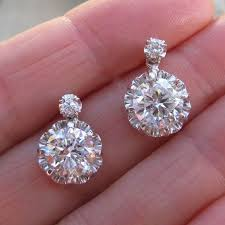 diamond drop earrings best 25 diamond drop earrings ideas on diamond