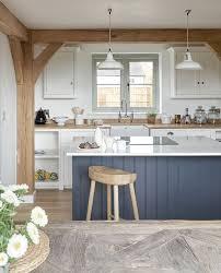 Small Kitchen Islands Best 25 Kitchen Island Pillar Ideas On Pinterest Kitchen Island
