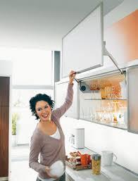 cuisine blum des meubles hauts faciles à ouvrir inspiration cuisine