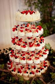 cheesecake wedding cake mini pavlova wedding cakes with strawberries image by http