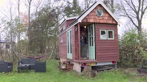 wonen in een tiny house nederland verhuist youtube