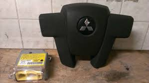 04 2004 mitsubishi endeavor left drivers wheel air bag black