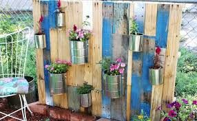 10 eye catching vertical vegetable gardening ideas home so good