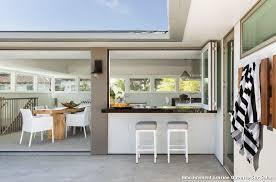 cuisine ouverte sur salon amnagement cuisine ouverte sur salon with contemporain terrasse et