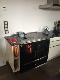 holzherd küche fertig mit bildern zweizeilige wohnküche mit holzherd
