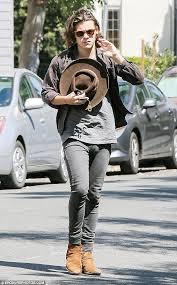 Guys Wearing Skinny Jeans Harry Styles U0027wears Women U0027s Jeans U0027 Because He U0027prefers The