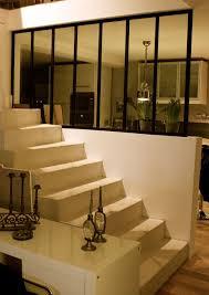 escalier entre cuisine et salon idee amenagement cuisine ouverte sur salon survl com