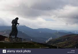 way of the pilgrim a statue of a pilgrim in the way of santiago spain stock photo