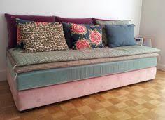 lit transformé en canapé comment transformer un lit d une personne en banquette dans un