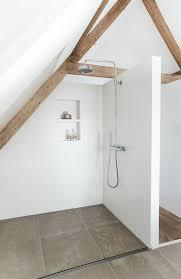salle de bain dans chambre sous comble salle de bain sans fenetre 6 une salle de bain sous
