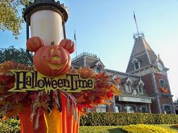 halloween time at disneyland best amusement parks to visit at